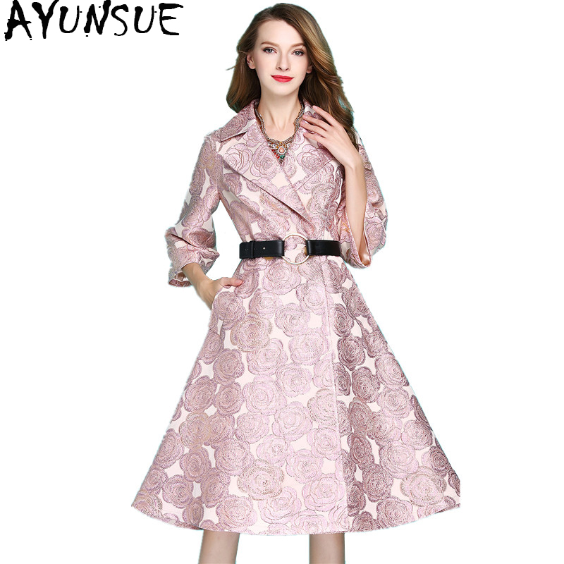 AYUNSUE 2018 Vintage Autumn Winter   Trench   Coat Women Fashion Long   Trench   Dobby Embroidery Women's Windbreaker Outerwear WYQ1102