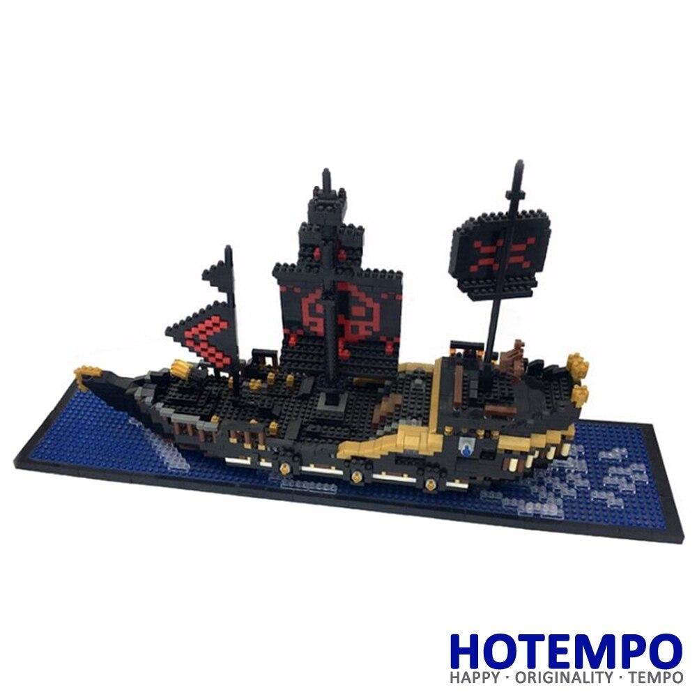 HOTEMPO 9033 1797Pcs Diamonds Block One Piece Black Pearl Pirate Boat DIY Magic Blocks Diamonds Building Block Toys