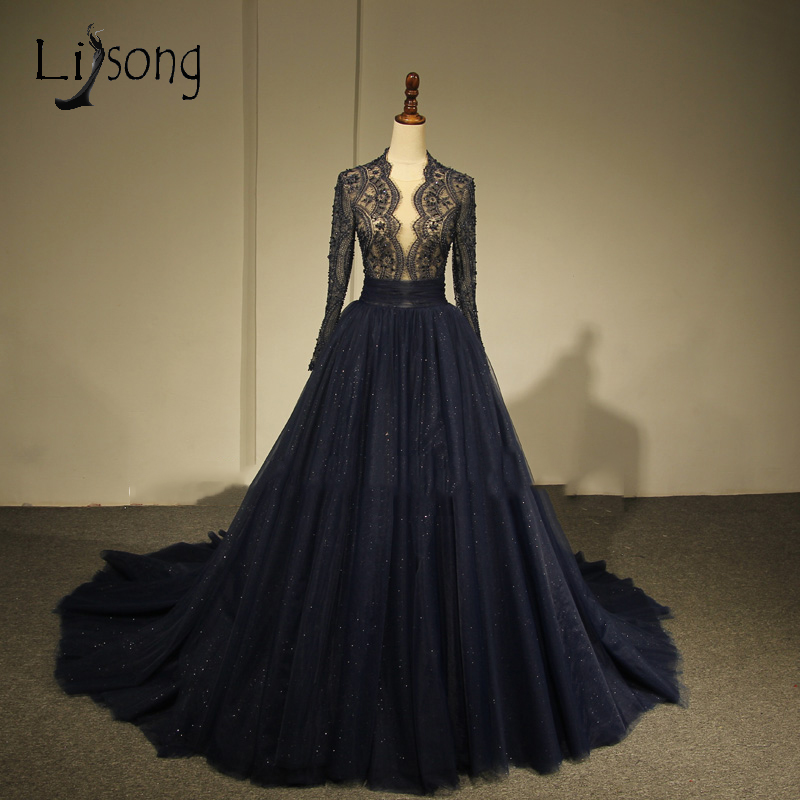 Modest Dark Navy Blue Lace Evening Dresses With Full Sleeves Pearls Beaded Long Evening Gowns 2018 Saudi Arabic Abendkleider