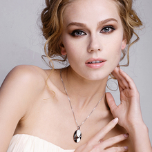 Austria Crystal Leaf Pendant Necklace Female Luxury Brand Jewelry Women Necklaces Sautoir Fine Bijoux Wholesale Accessories