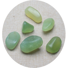 O Transporte da gota 100g Verde Natural Jade Pedra Áspera Rocha Specimen Cura Polido Pedras de Cristais De Quartzo Natural