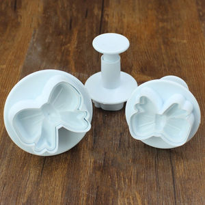 Image 2 - DIY Home Bow Knot Bakeware Flower Plunger Cutter Molds 3pcs/set Embossed Stamp For Fondant Cake Cookie Decorating Tool