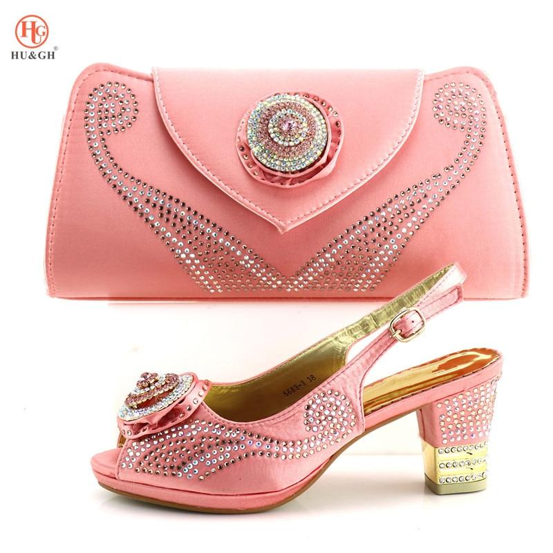 купить New Summer Work Shoe African Set 2018 Pink Color Italian Shoes with Matching Bag for Wedding Nigerian Shoe and Bag Set for Women по цене 3971.05 рублей