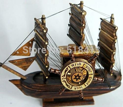 Navio pirata presentes artesanato artigos de decoração criativas Novos artigos de decoração para casa Suave vela vela de madeira Sólida