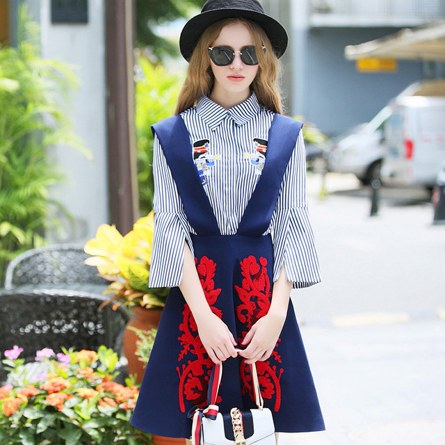 Two Pieces 2017 Spring Embroidery Skirts Suit Women Retro Stripped Cartoon Appliques Tops And Cute Skirt Suits Set NS614