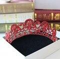 Corea red rhinestone de la aleación perla simulada pelo de la boda accesorios tocado rojo grande corona corona nupcial