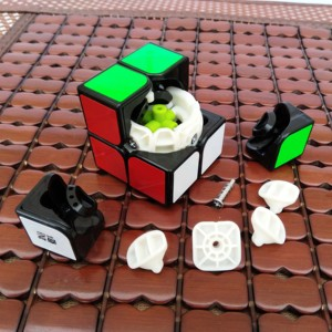 Image 5 - Qiyi Cubo mágico de velocidad para niños, Cubo mágico profesional de 3x3, 2x2x2, Cubo de velocidad de bolsillo, cubos de rompecabezas de 3x3x3, juguetes educativos para niños