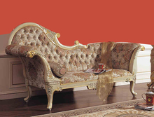 2015 Royal Ltalian Baroque Style Carved Wood Bed European Classical French 2.2 m Chaise Lounge Chairs