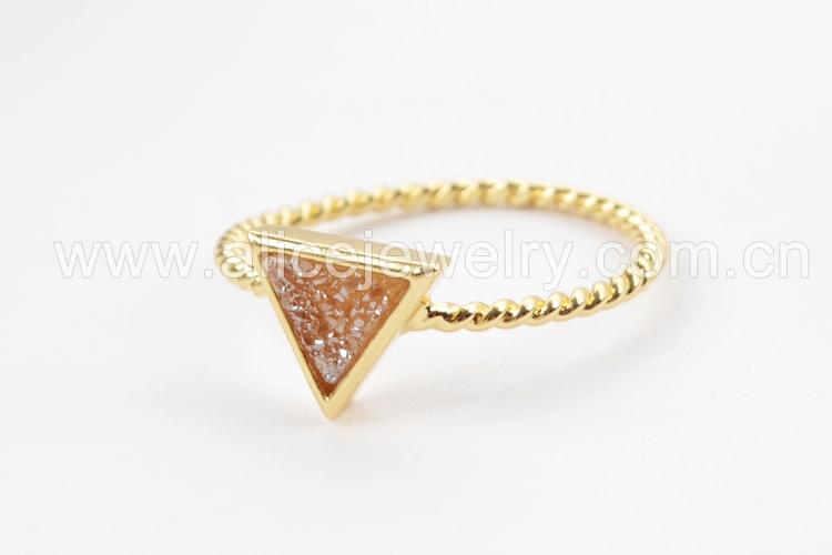 BOROSA 10PCS Gold Color Triangle Rainbow Drusy Rings, Mixed Colors Agates Titanium Rainbow Druzy Bezel Ring Women Jewelry ZG0290 11