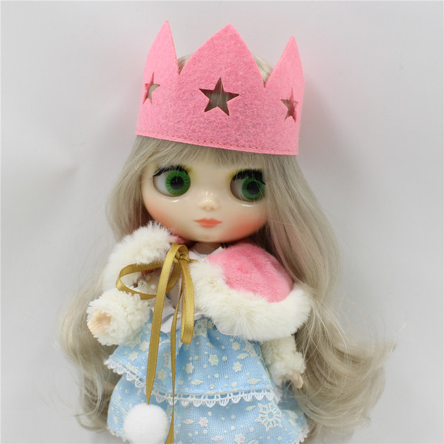 TBL Middie Blythe Doll Grey Wavy Hair Jointed Body