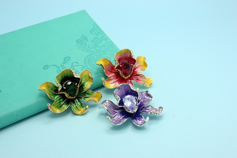 b48a7c3c3 Champagne Brand Flower Brooches Wedding Jewelry Shiny Noble Gold ...