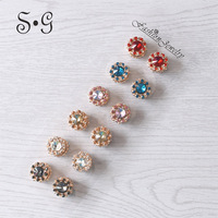 Luxury Rhinestones Magnet Brooches for Women Trendy Simple Elegant Accessories Brooch Scarf Pin Buckle Fashion Jewelry Trinkets