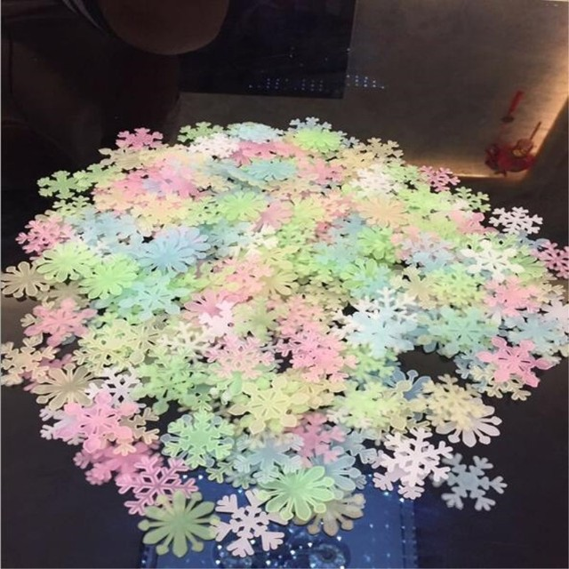 50pcs or100pcs luminous wall sticker snowflake glow in the dark