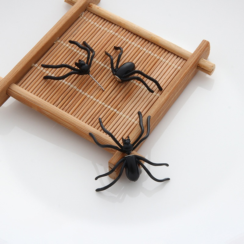 1PC Halloween Artificial Black Spider Earrings Funny Terror Ear Stud Earrings Halloween Ornaments Party Supplies W1