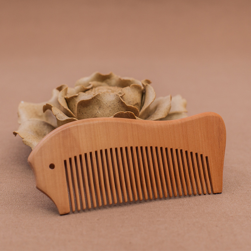 цена на L57 Creative carved peach wood comb boutique wooden comb hair comb lettering