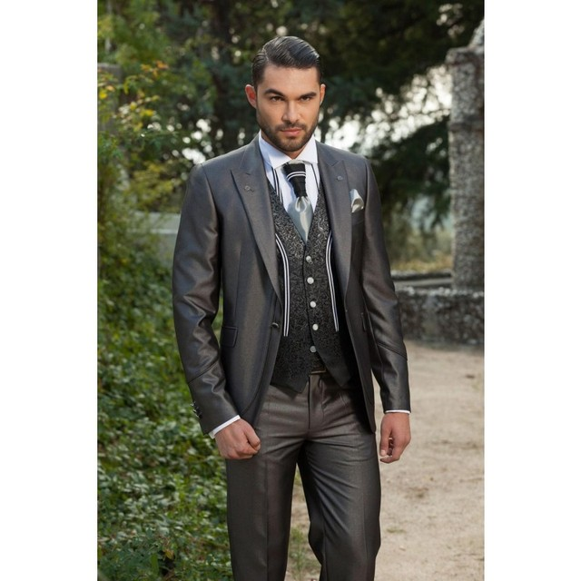New Fashion Groom Tuxedos Peak Lapel Groomsmen Best Man Suits ...