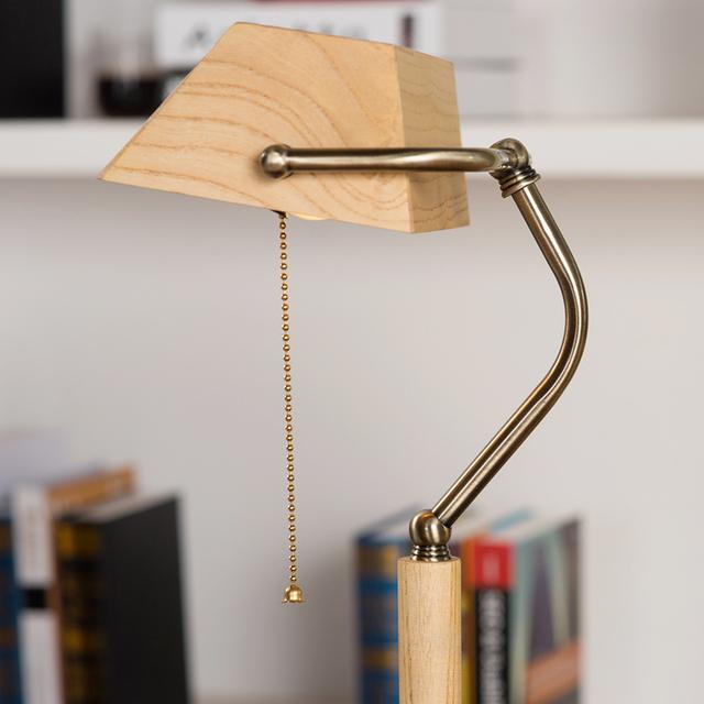 Madera Nórdica moda ajustable escritorio estudio ocular con lámpara de estudio y trabajo de protección del medio ambiente, dormitorio de los niños cama