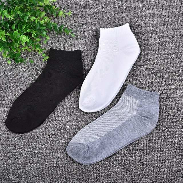 2018 Fashion Casual Men Socks High Quality Cotton Mesh Breathable Socks Brief Invisible Slippers Male Shallow Mouth No Show Sock
