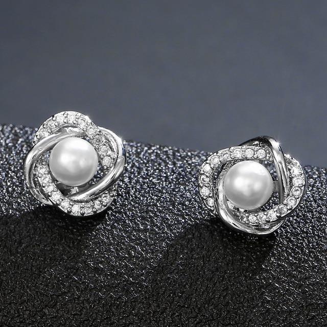 Utimtree New Hollow Flower Pearl Earrings Fashion Jewelry Silver Stud Earrings for Women Wedding Accessory Cubic Zircon Earring 2