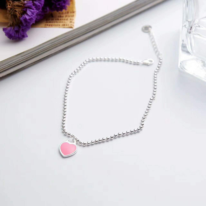 The new 925 sterling silver fashion jewelry heart pendant with silver necklace, simple and beautiful. Send a girlfriend a gift