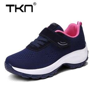 Image 1 - Женские кроссовки на плоской подошве TKN, дышащие сетчатые теннисные туфли, повседневные кроссовки, 1833, весна 2019