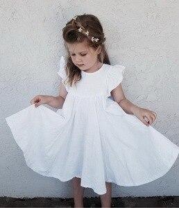 Image 1 - Perakende kız elbise bebek giysileri yaz beyaz yeşil parlama kollu fırfır güzel çocuklar kızlar için elbiseler E19074