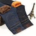 Sulee Marca Inverno Quente calças de Brim Dos Homens Espessamento Forro de Veludo Jeans Regular Fit Liso Azul Preto Tempo Frio Plus Size