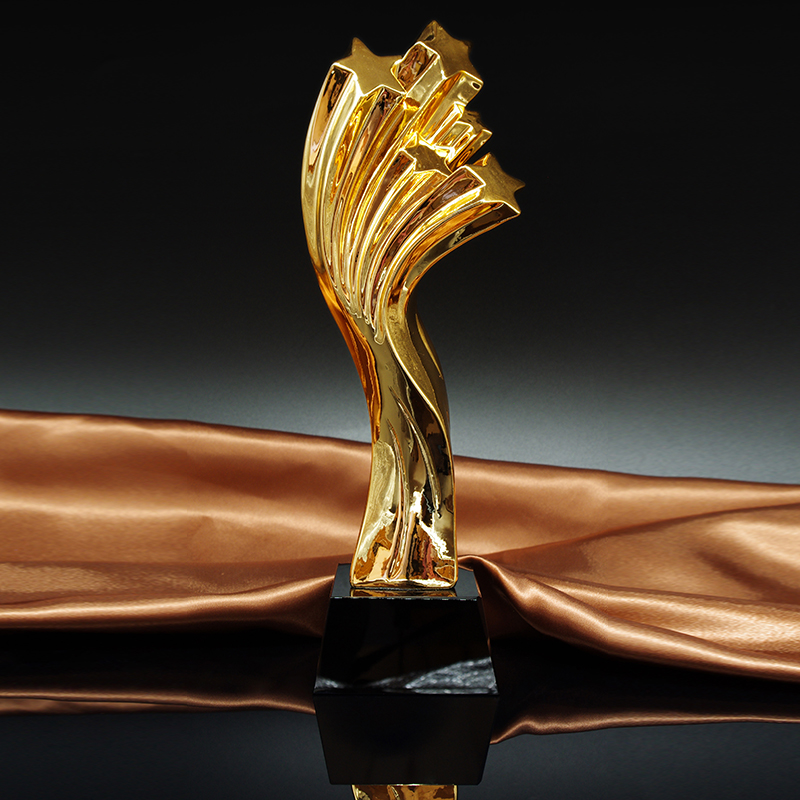 Stars Shaped Metal Oscar Trophy Sport Events Award Cup Sport Souvenirs Track and Field Athletics Champions Rewards angel metal oscar trophy with a crystal base engraved logo or words for dancing contest award video music champions award cup