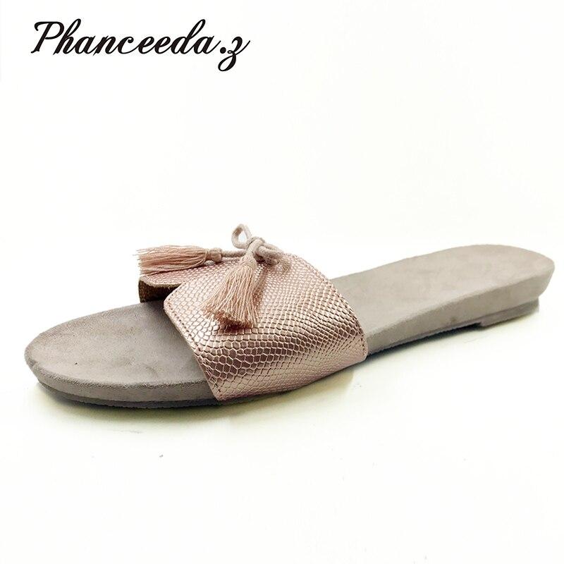 Nouveau 2018 chaussures de Style d'été femmes sandales mode or appartements Top qualité solide Sexy pantoufles taille 5-8 tongs