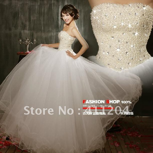 Large Size Wedding Dress Lace Up Pearls Ruffles