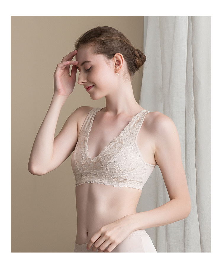 Autumn and winter new silk undergarment without underwire thin section bra sexy lace girl small bra mulberry silk sports bra