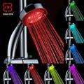 Romântico Automaticamente Alterar 7 Color LED Cabeça de Chuveiro Colorido Bico plástico abs rodada única cabeça Banho De Aspersão Multi Color