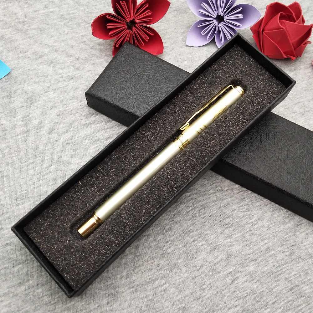 Logotipo gratuito personalizado en el cuerpo de la pluma de la bola de rodillo de oro de la pluma de la empresa de promoción de mejores regalos de eventos para tus amigos invitados