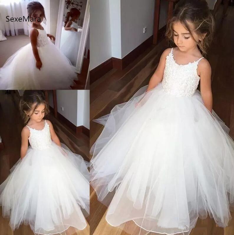 Cheap Spaghetti Lace And Tulle Flower Girl Dresses For Wedding White Ball Gown Princess Girls Pageant Gowns Communion Dress 2018 princess white flower girl dresses for wedding ball gown sweep train girls pageant dresses lace tulle for wedding party