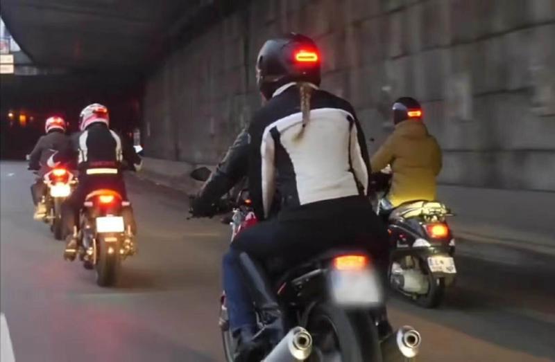 Universal Helmet Flashing Led Light Night Riding Adhesive Safety Blink rechageable