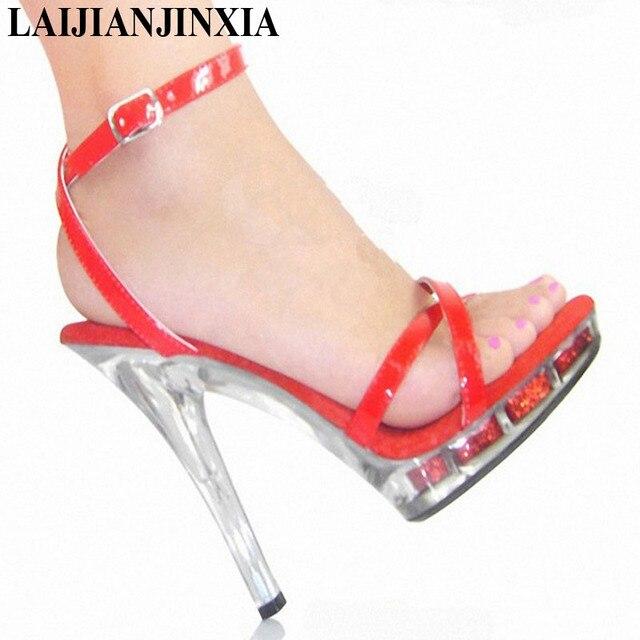 d492b714f3 LAIJIANJINXIA 5 Polegada Sapatos de Salto Alto Vermelhos Sexy Sapatos Da  Moda 13 SEIS CENTÍMETROS de