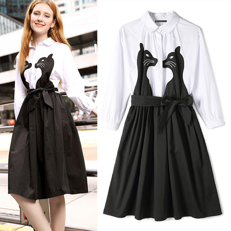 Белое платье с черными кошками