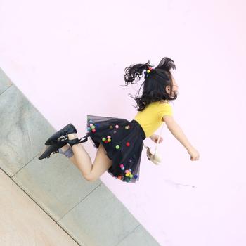 2020 letnie dziecko wielowarstwowa tiulowa spódnica Tutu kolorowe Pom Pom księżniczka Mini sukienka dzieci odzież Pettiskirt dziewczyna ubrania tanie i dobre opinie zcaynger Nowość CN (pochodzenie) Pasuje prawda na wymiar weź swój normalny rozmiar Poliester Patchwork Łuk dress Powyżej kolana Mini
