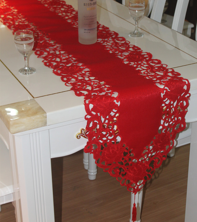 New For Christmas Polyester Embroidery Xmas Table Runner Satin Tablecloth  Cutwork By Hand Red Table Flag