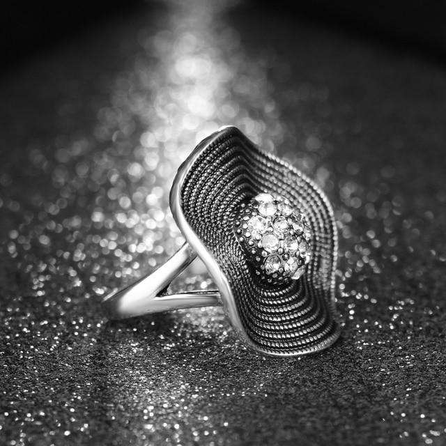 Hot Sale Crystal Rings 2017 Temperament Fashion Flower Ring Women CZ Zircon Ring Retro Jewelry Christmas Gift