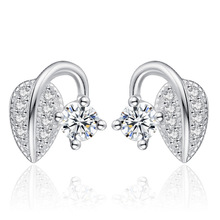 цена 100% 925 sterling silver fashion shiny crystal leaf design ladies`stud earrings jewelry women Anti allergy drop shipping gift в интернет-магазинах