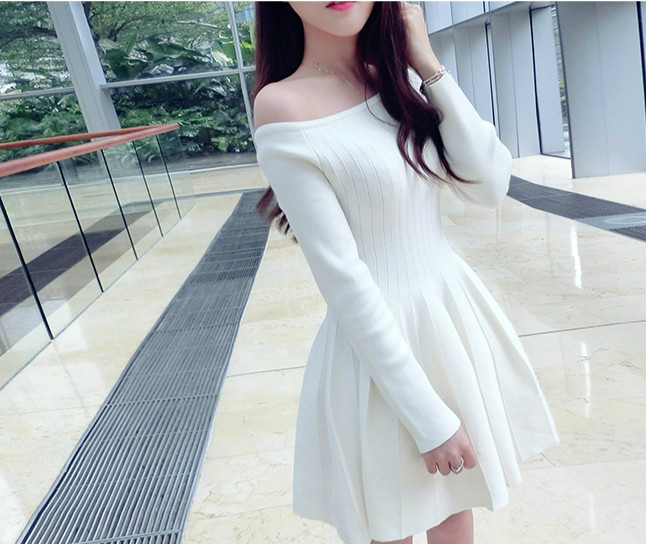 2017 Slim slit neckline strapless long sleeve a basic ladies knitted one piece dress autumn and