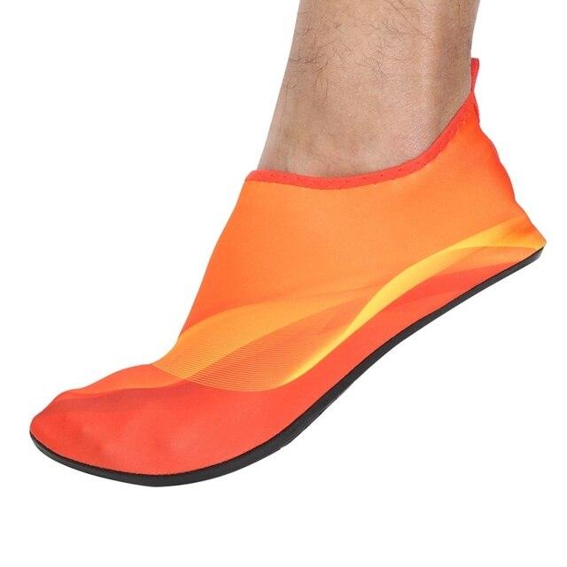 Élastique et confortable Sports Chaussures de plongée Hommes Femmes Surf Aqua Chaussettes eau de plage Chaussures wIBTnjN
