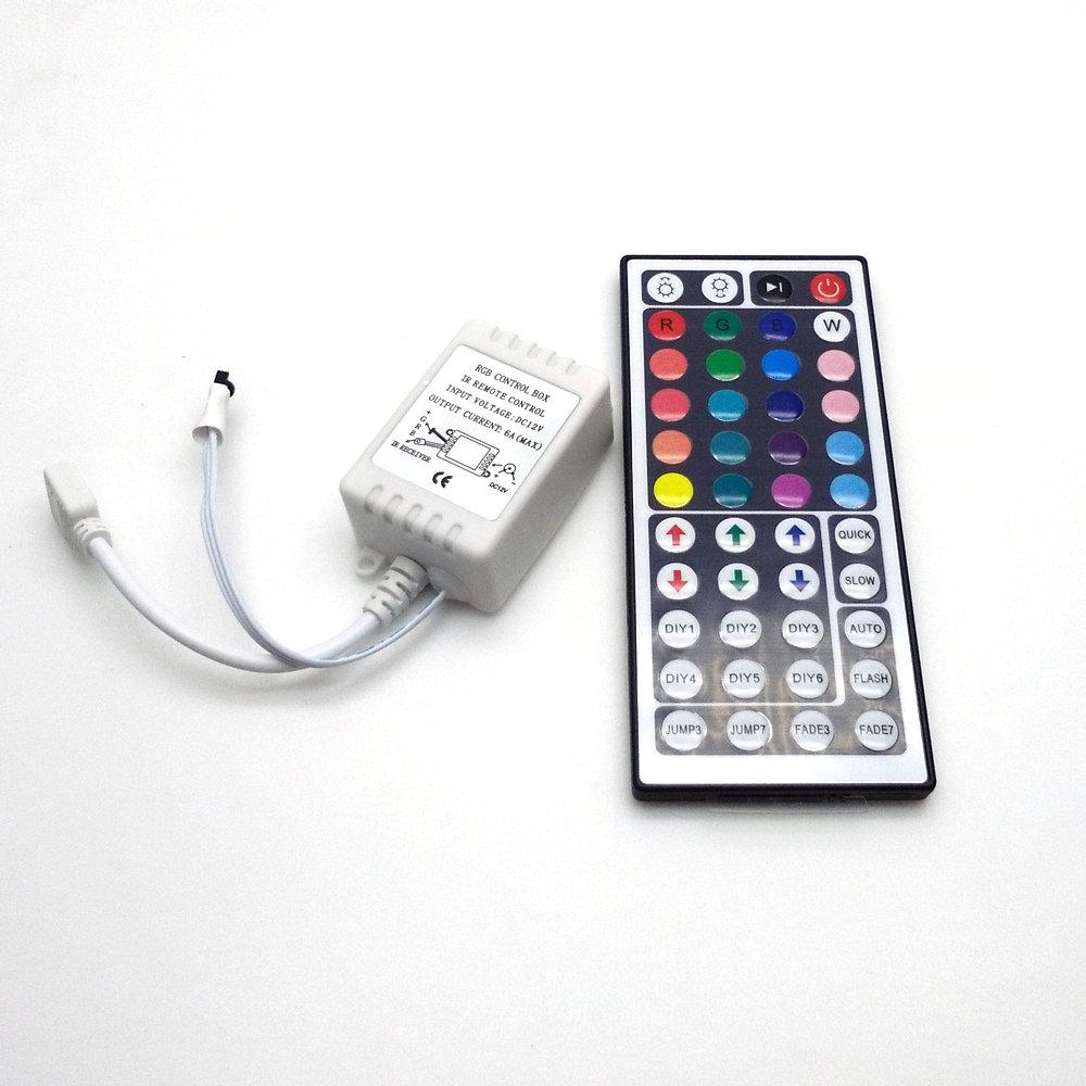 LED csíkvilágítás 5050 RGB 5M 300 LED nem vízálló flexibilis - LED Világítás - Fénykép 3