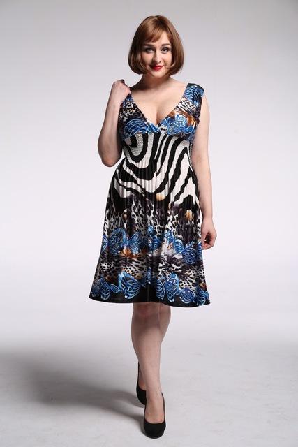 Summer Style Plus Size L-7XL Women Vintage Flower Print Knee Length Elegant Casual Office Deep V-neck Dress.