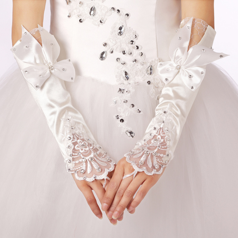 2018 Free Shipping Lace Princess Bridal Gloves With Beaded Fashion Female Long Design Wedding Dresses Gloves Wedding Accesoties
