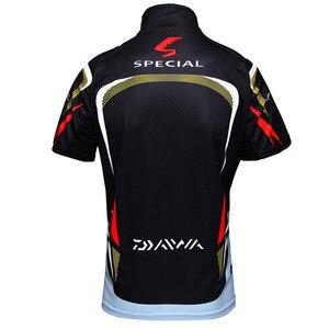 Image 2 - Летняя Новинка, брендовая рубашка для рыбалки Daiwa, Солнцезащитная рубашка с короткими рукавами для рыбалки, дышащая быстросохнущая одежда для рыбалки с защитой от уф