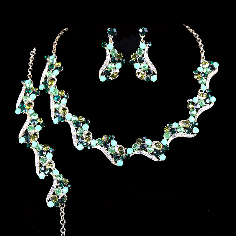 Elegant Bridal Jewelry Sets Green color necklace earrings