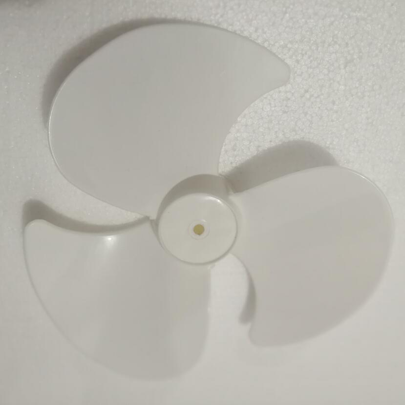 все цены на stocked 12 inches white plastic table fan parts fan blade 0.8cm онлайн