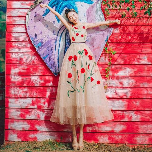 size 40 96da4 eccbb US $34.29 30% di SCONTO|Limiguyue senza maniche vestito messicano fiori  rossi del ricamo abiti lunghi partito elegante spiaggia di alta qualità  della ...